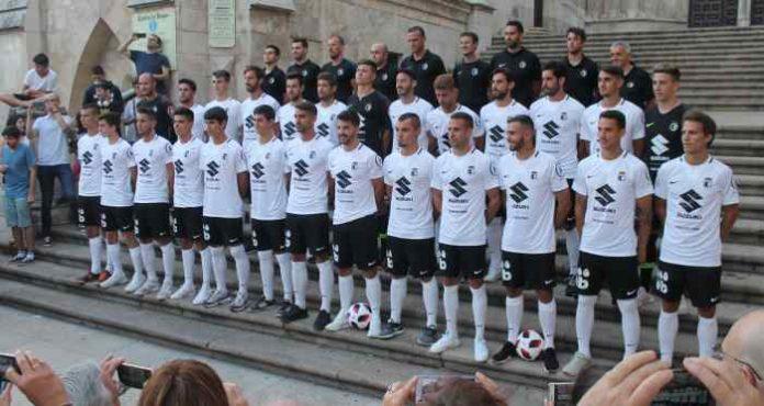 Burgos_CF_Presentacion